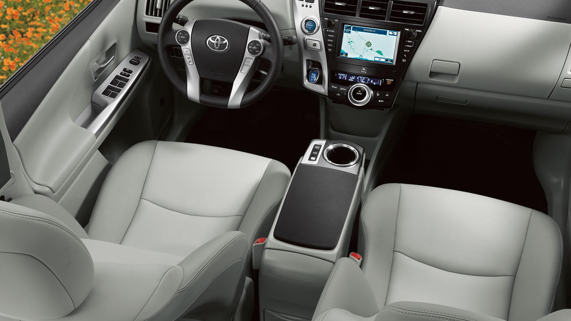 2014 Toyota Prius V Image 10