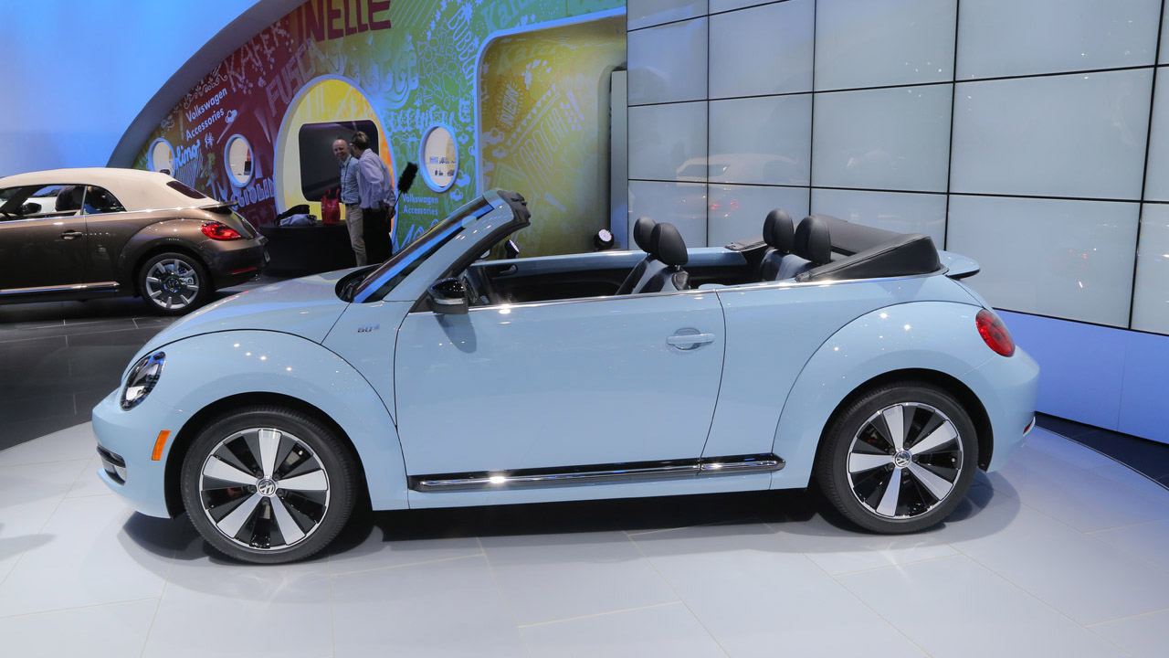 2014 volkswagen beetle convertible information and photos zombiedrive. Black Bedroom Furniture Sets. Home Design Ideas