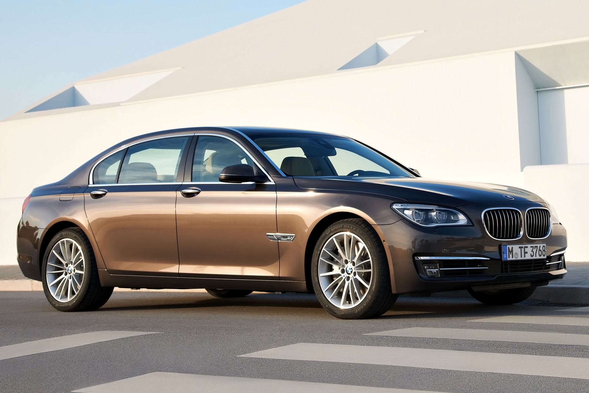 2015 Bmw 7 Series Image 1