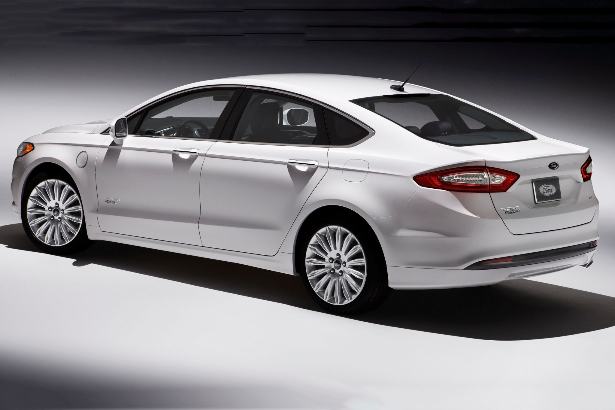 2014 Ford Fusion Energi S exterior #6