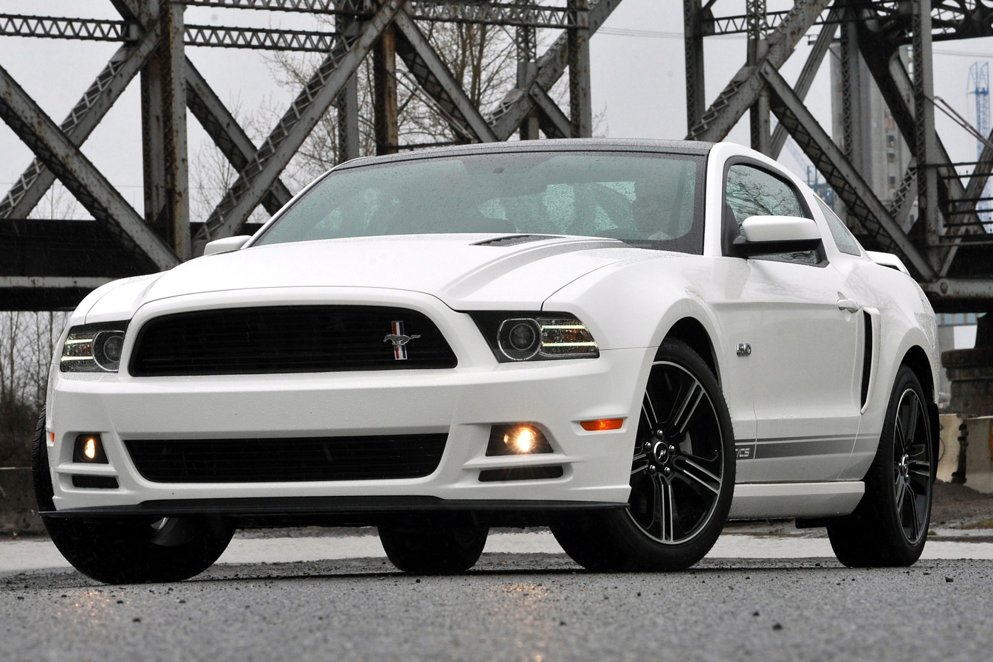 2014 Ford Mustang Headlam exterior #4