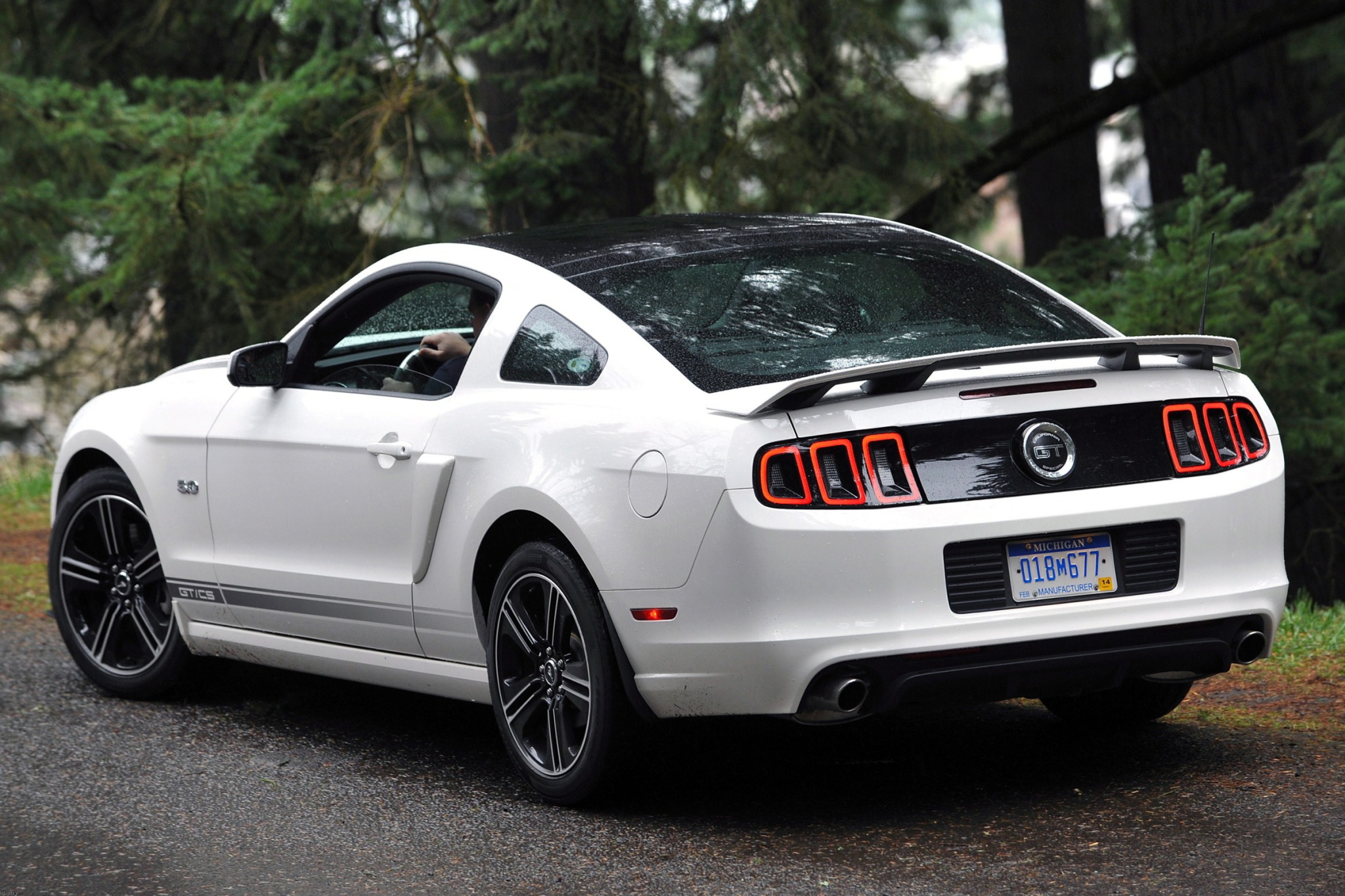 2014 Ford Mustang Headlam exterior #9