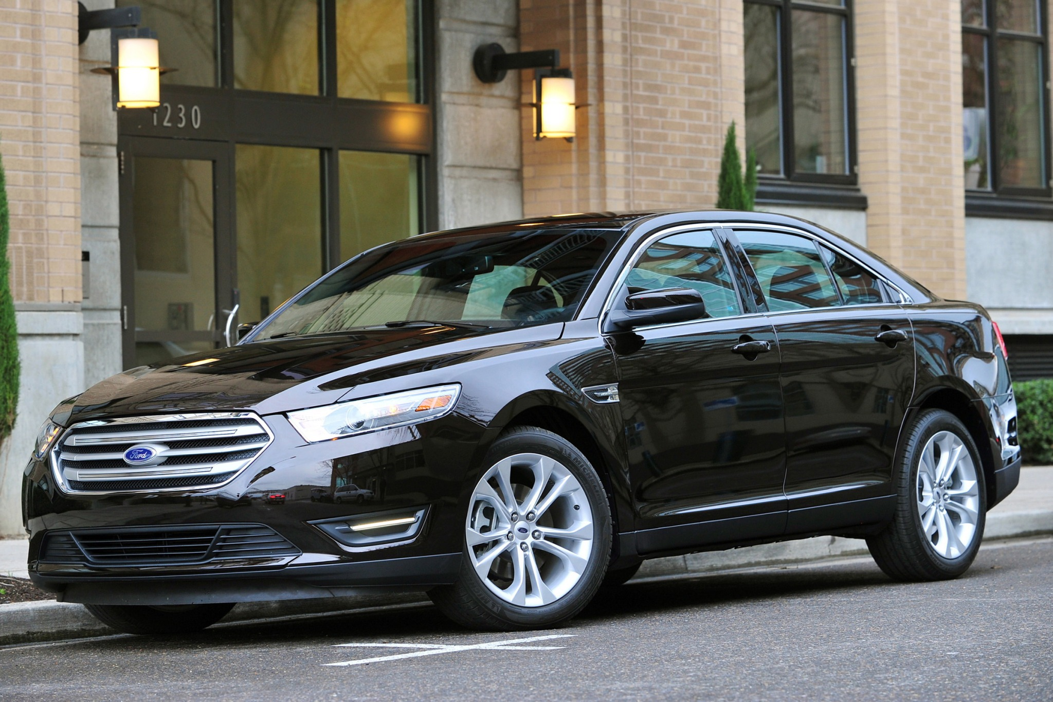 2014 Ford Taurus Limited  exterior #4
