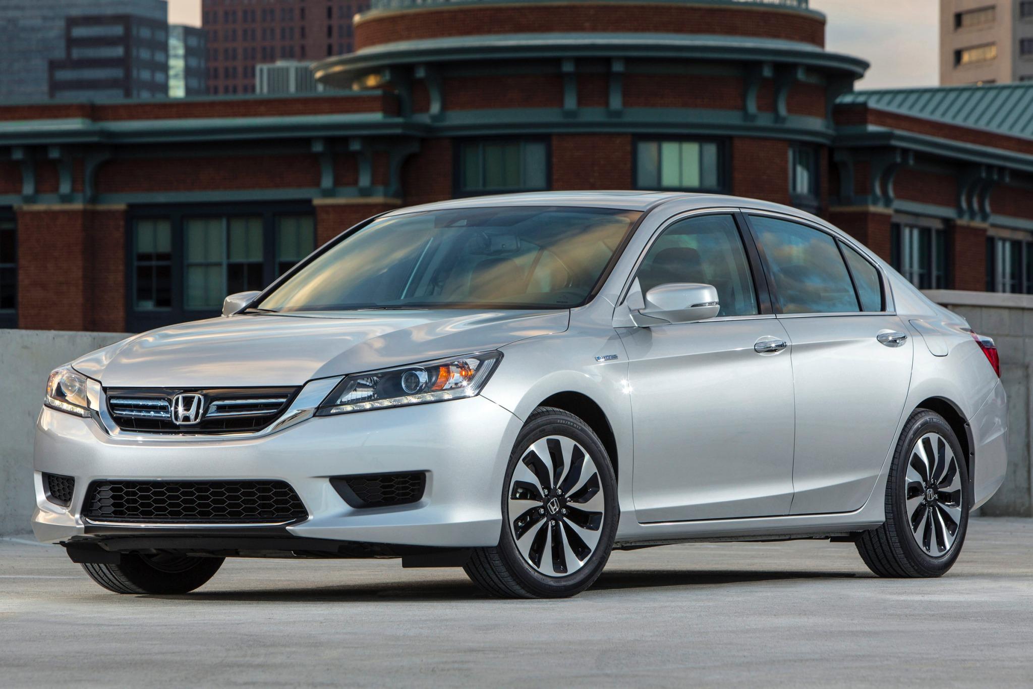 2014 Honda Accord Hybrid Image 1