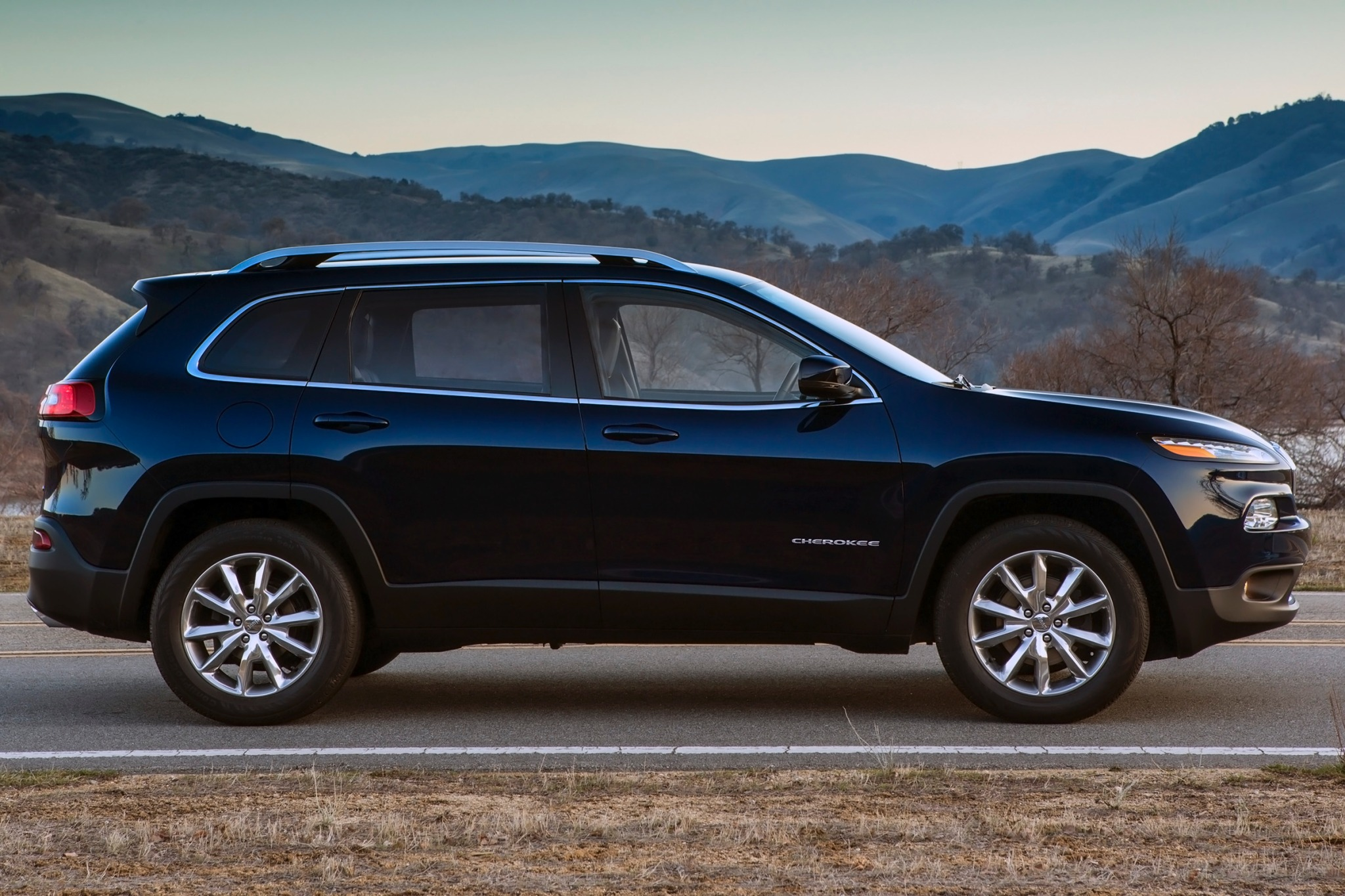 2014 Jeep Cherokee Trailh exterior #6