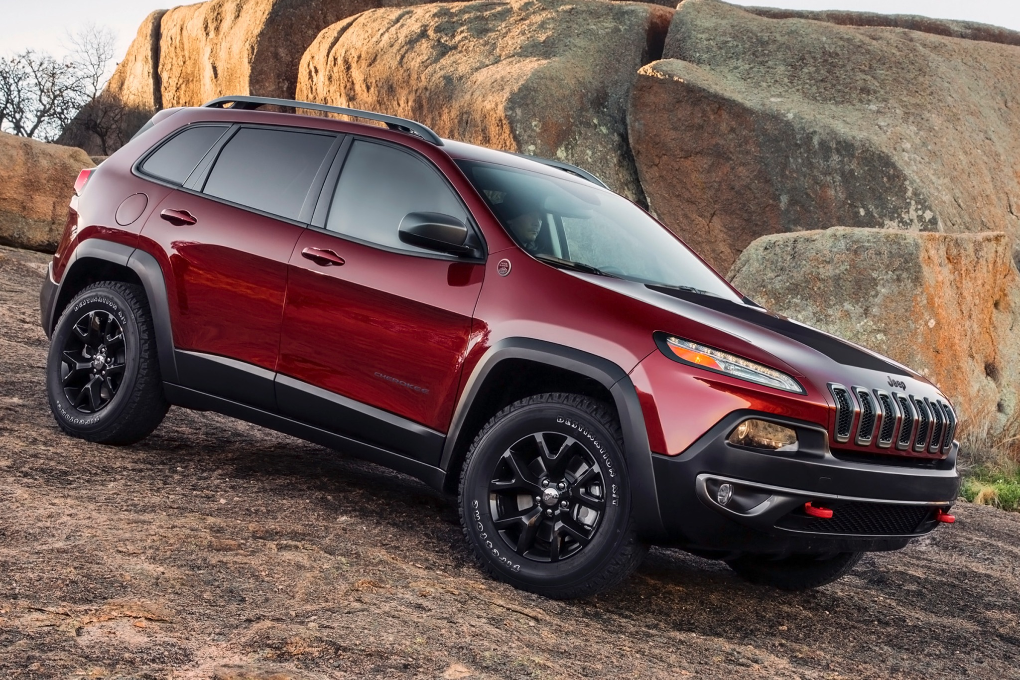 2014 Jeep Cherokee Trailh exterior #2