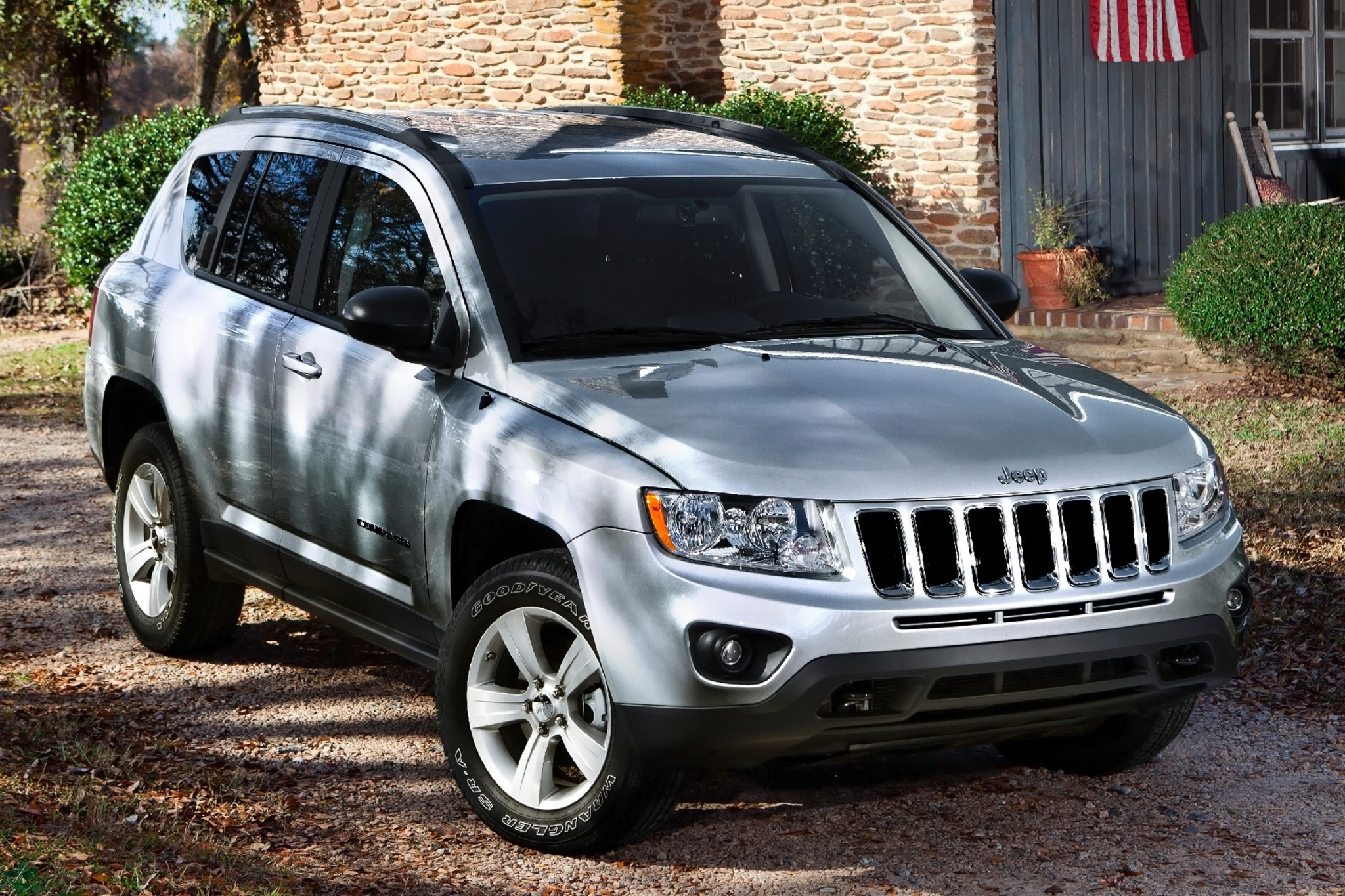 2014 Jeep Compass Limited exterior #2