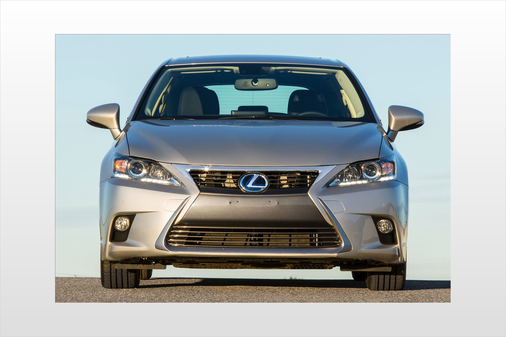 2014 Lexus CT 200h 4dr Ha interior #8
