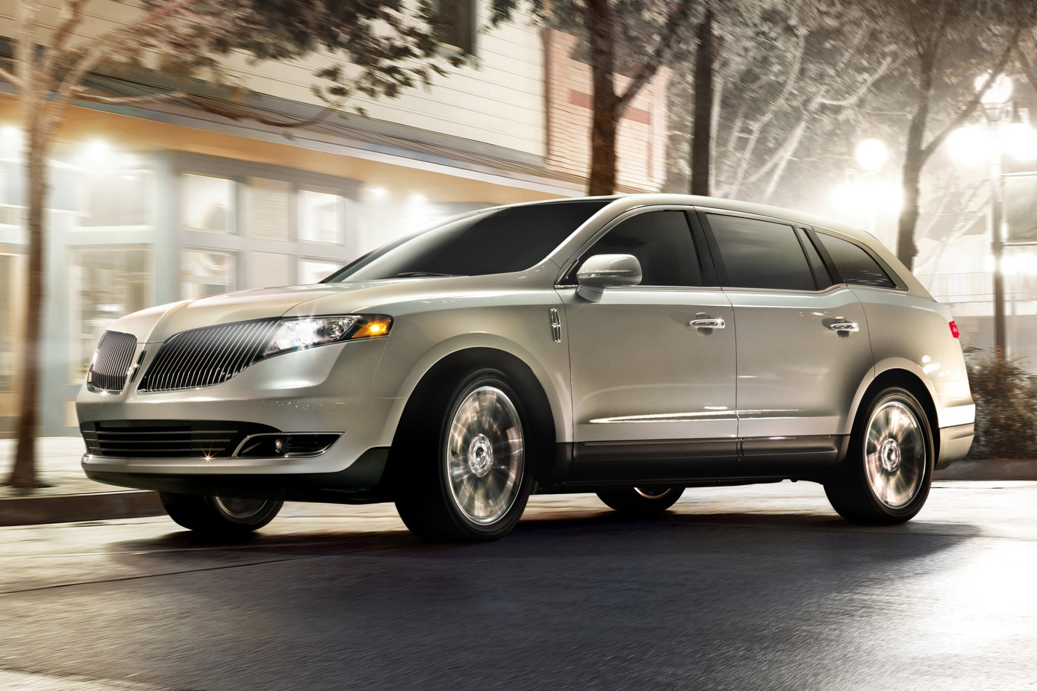 2014 Lincoln MKT Wagon Ex exterior #3