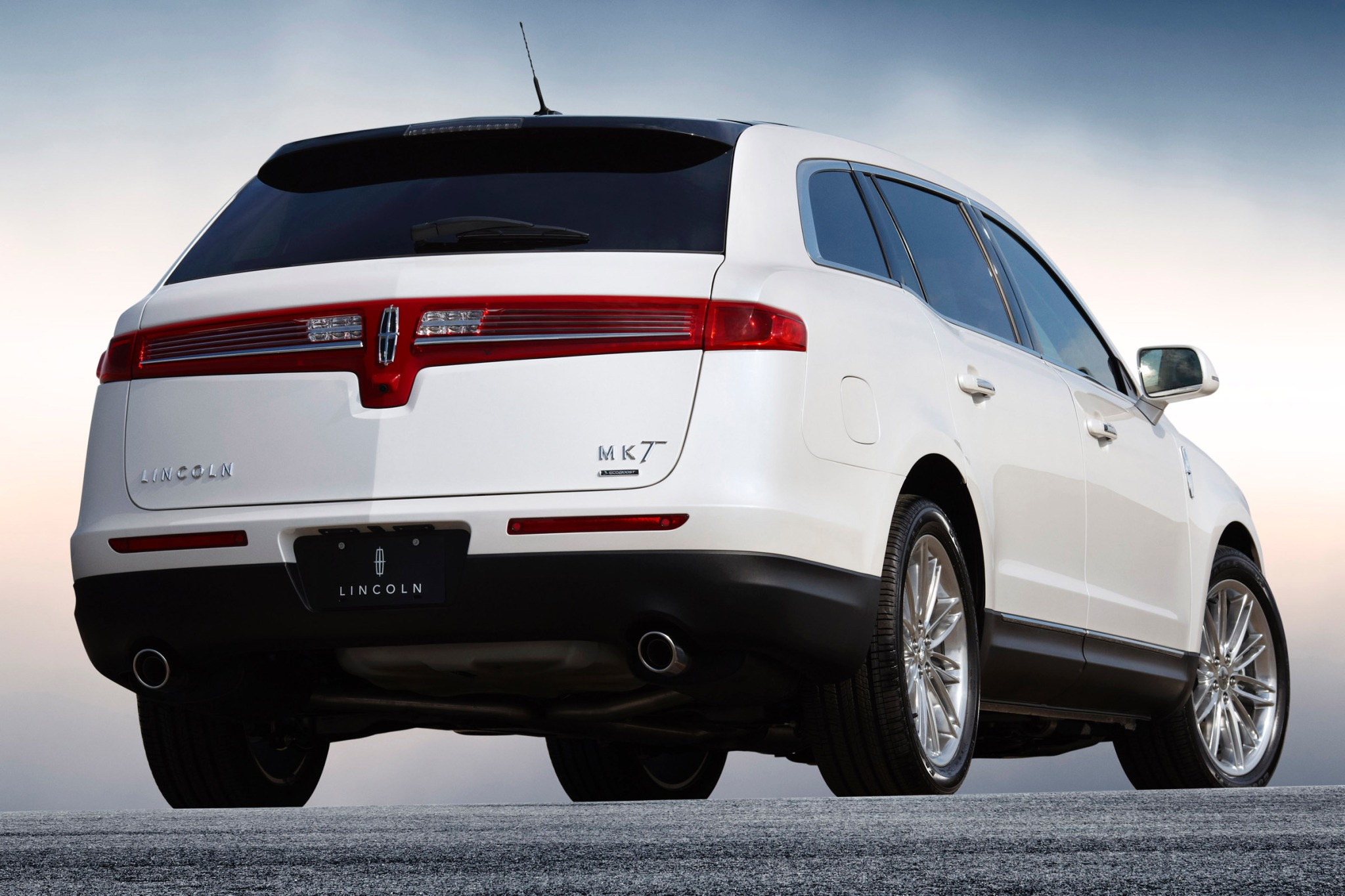 2014 Lincoln MKT Wagon Ex exterior #6
