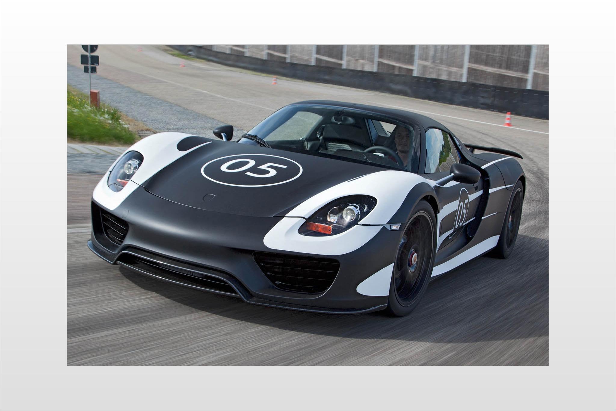 2014 Porsche 918 Spyder Image 1