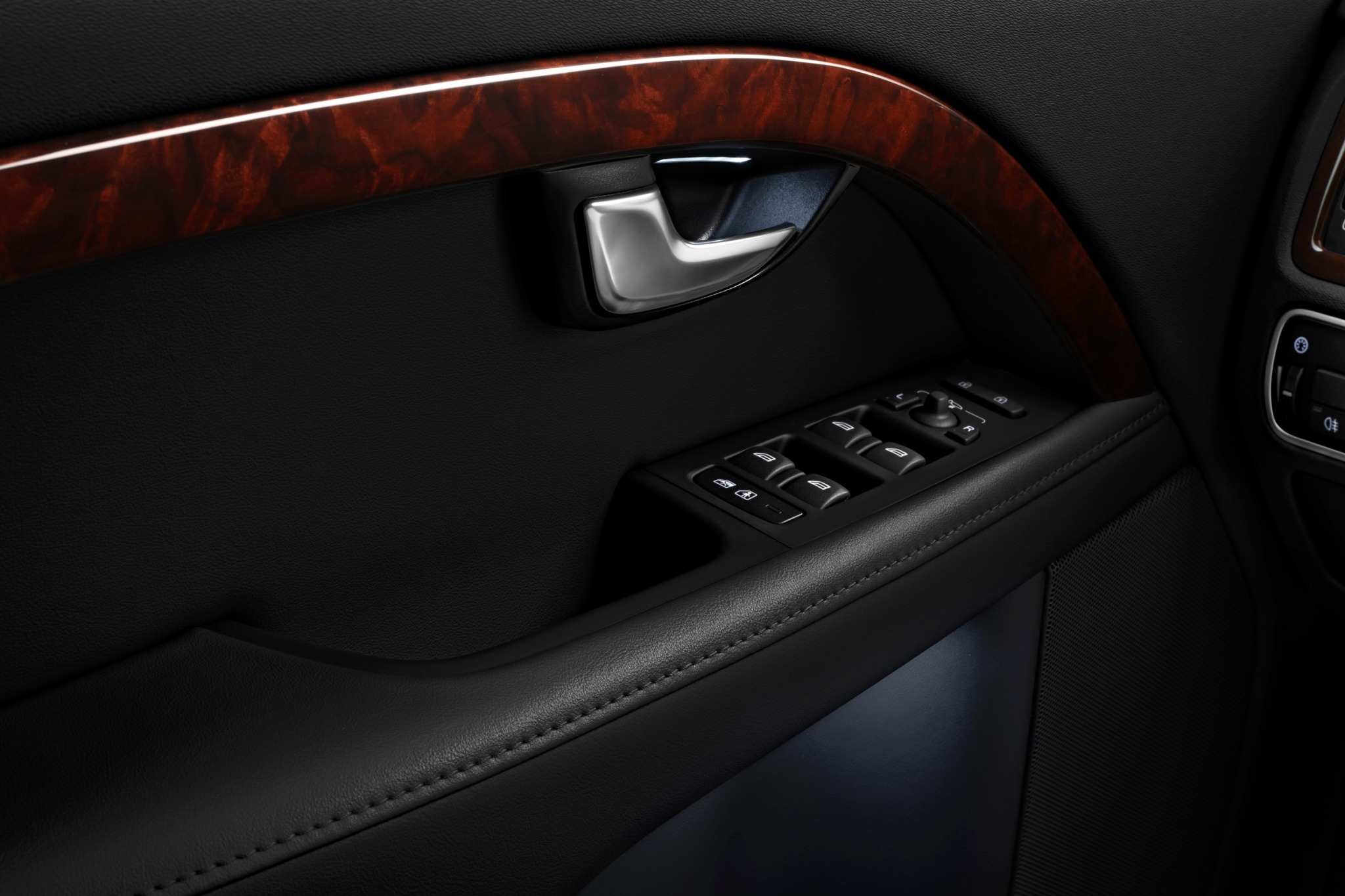 2014 Volvo S80 Sedan Cent interior #7