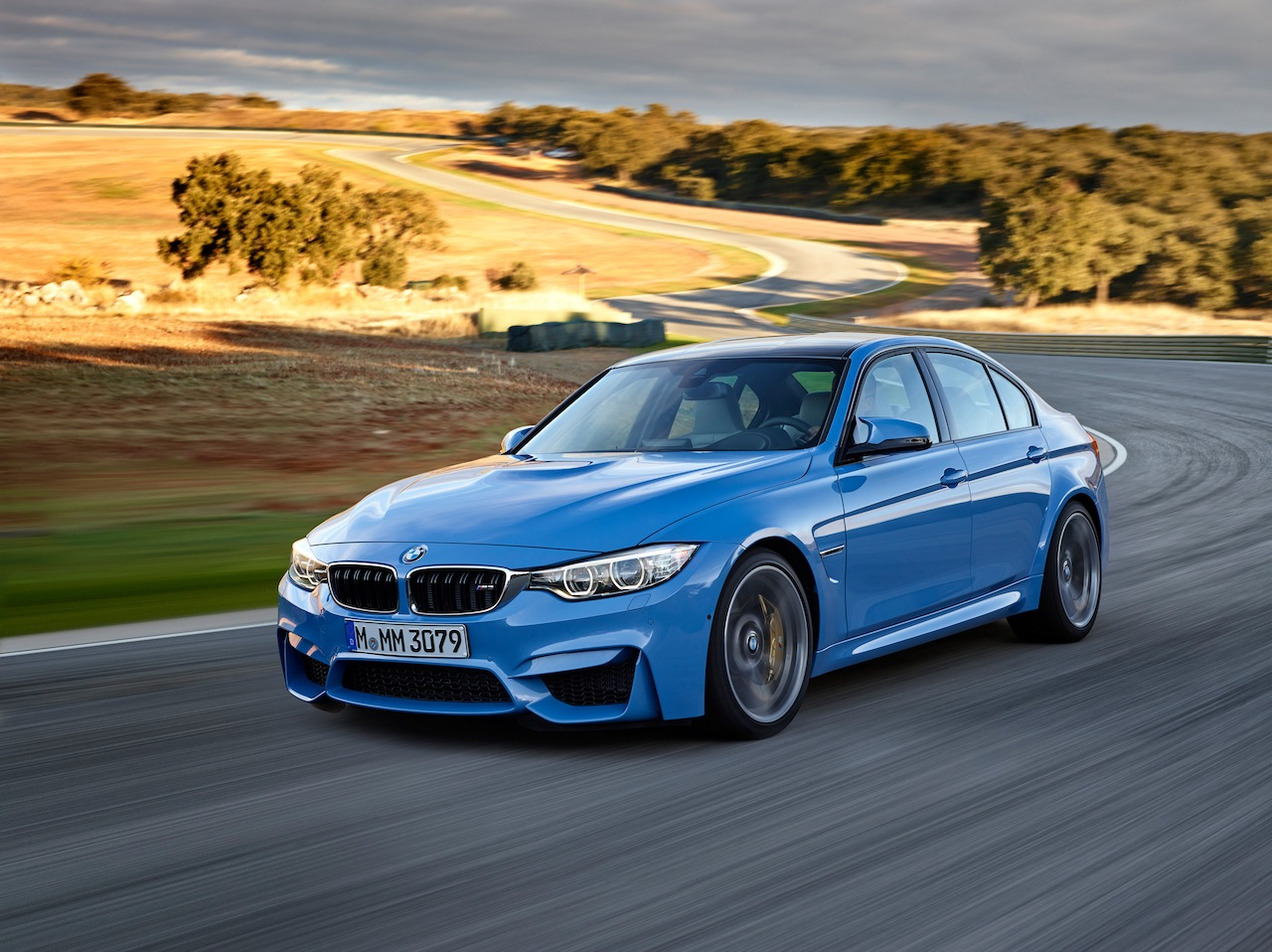 BMW Has Made Enhanced USB Functionality And Bluetooth Connectivity Standard  On All M5 Models. Owners Can Now Browse Their Libraries Via Bluetooth And  Sync A ...