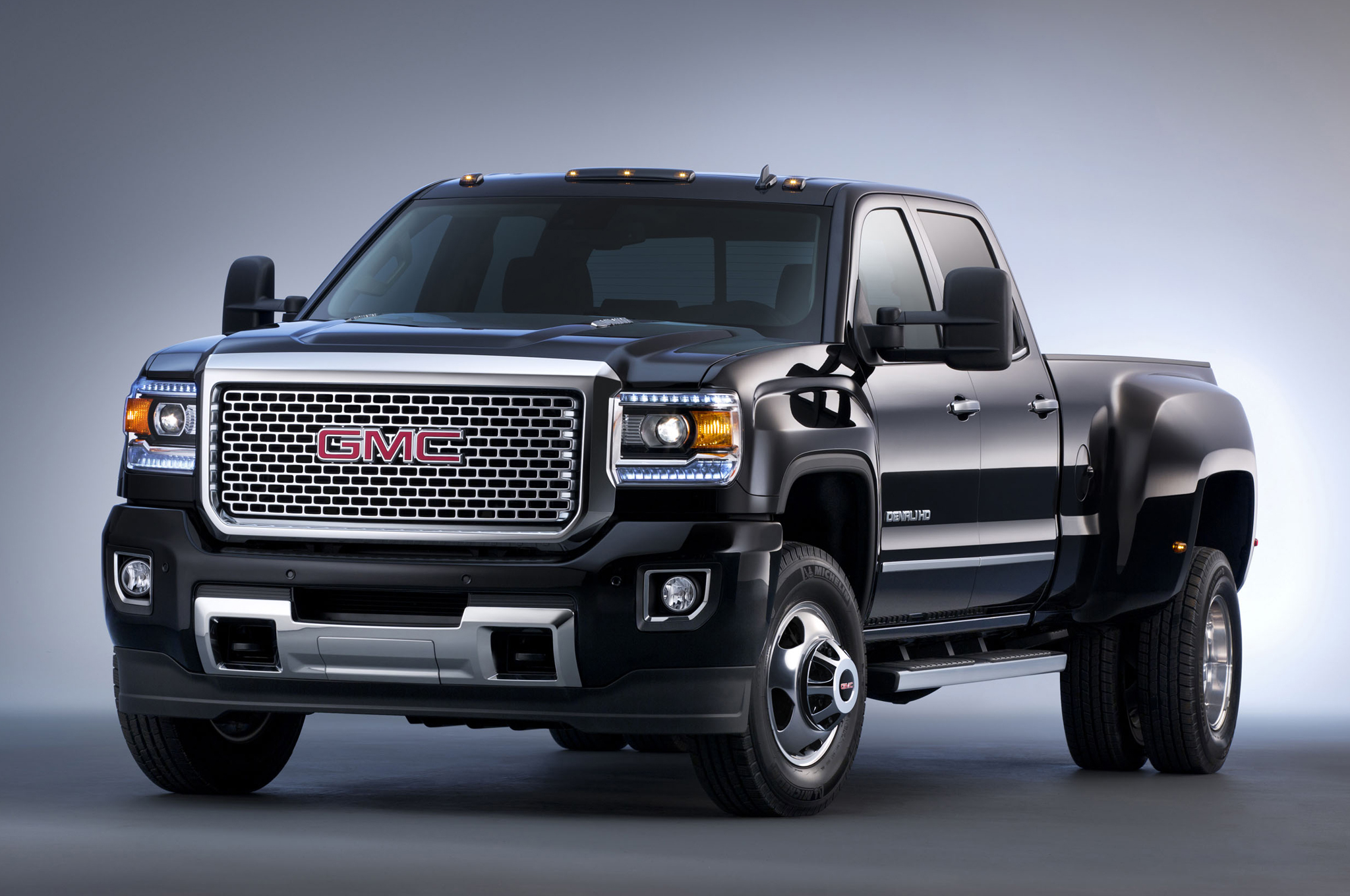 GMC Sierra 2500HD #8