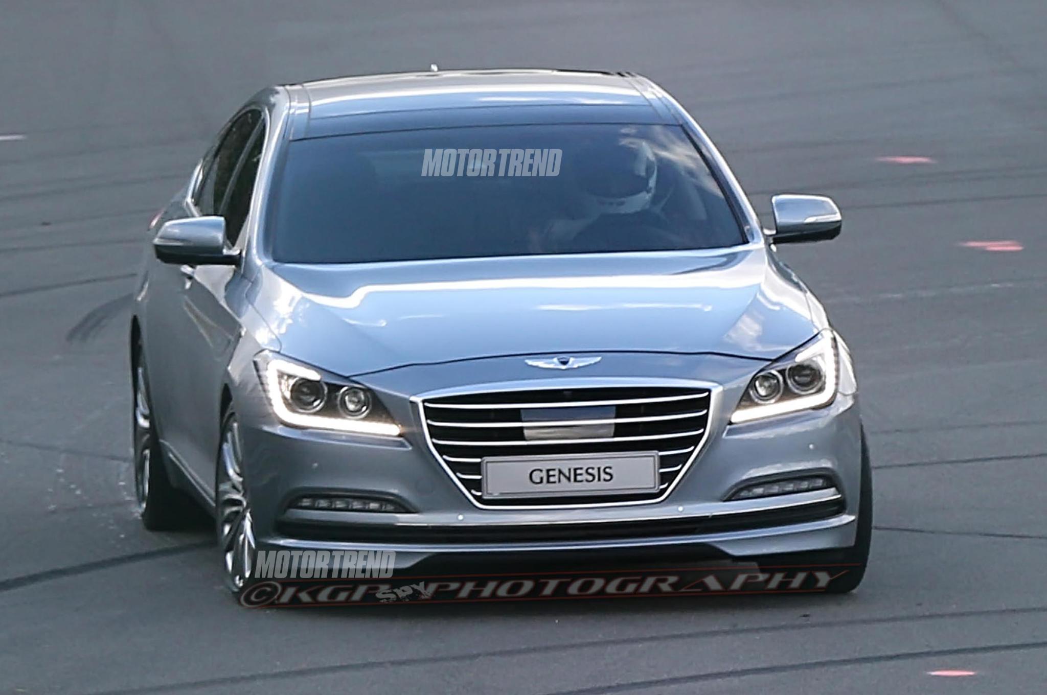 2015 Hyundai Genesis Image 11