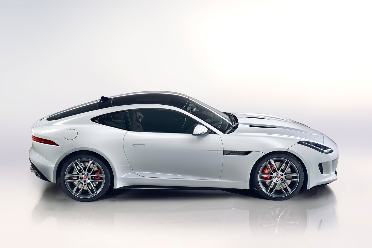 2015 Jaguar F Type Image 11