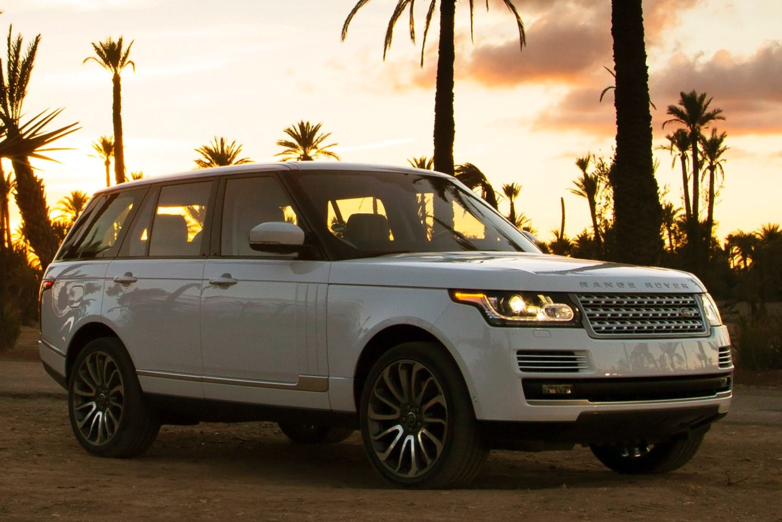 2015 Land Rover Range Rover  Information and photos  ZombieDrive