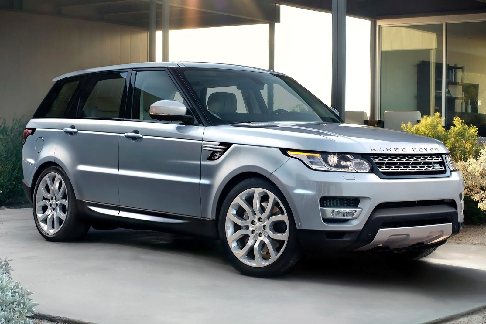 2015 land rover range rover sport information and photos. Black Bedroom Furniture Sets. Home Design Ideas