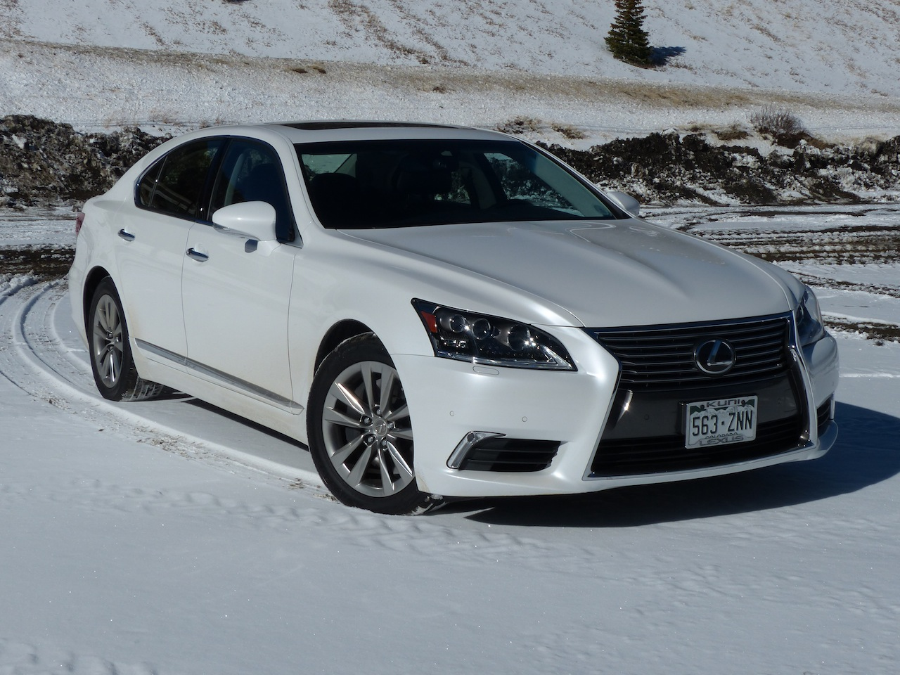 2015 lexus ls 460 information and photos zombiedrive. Black Bedroom Furniture Sets. Home Design Ideas