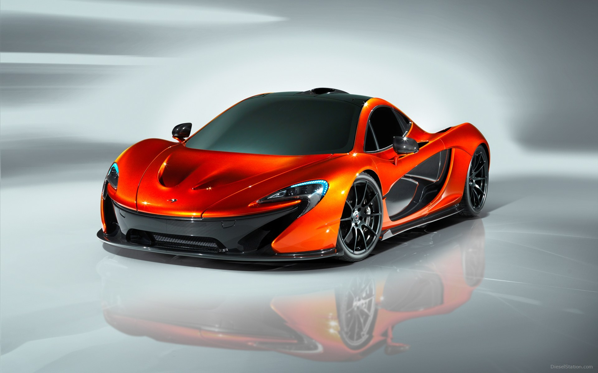 2015 McLaren P1 - Information and photos - ZombieDrive