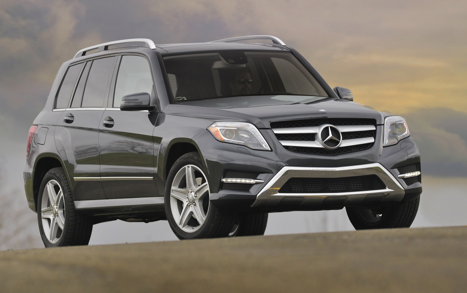 2015 mercedes benz glk class information and photos zombiedrive. Black Bedroom Furniture Sets. Home Design Ideas