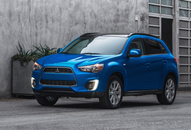 2015 mitsubishi outlander sport information and photos zombiedrive. Black Bedroom Furniture Sets. Home Design Ideas