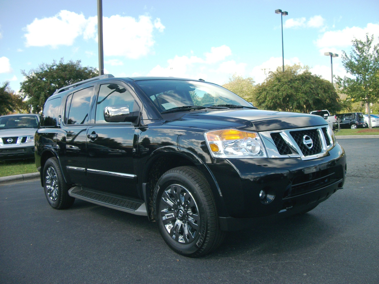2015 nissan armada information and photos zombiedrive. Black Bedroom Furniture Sets. Home Design Ideas