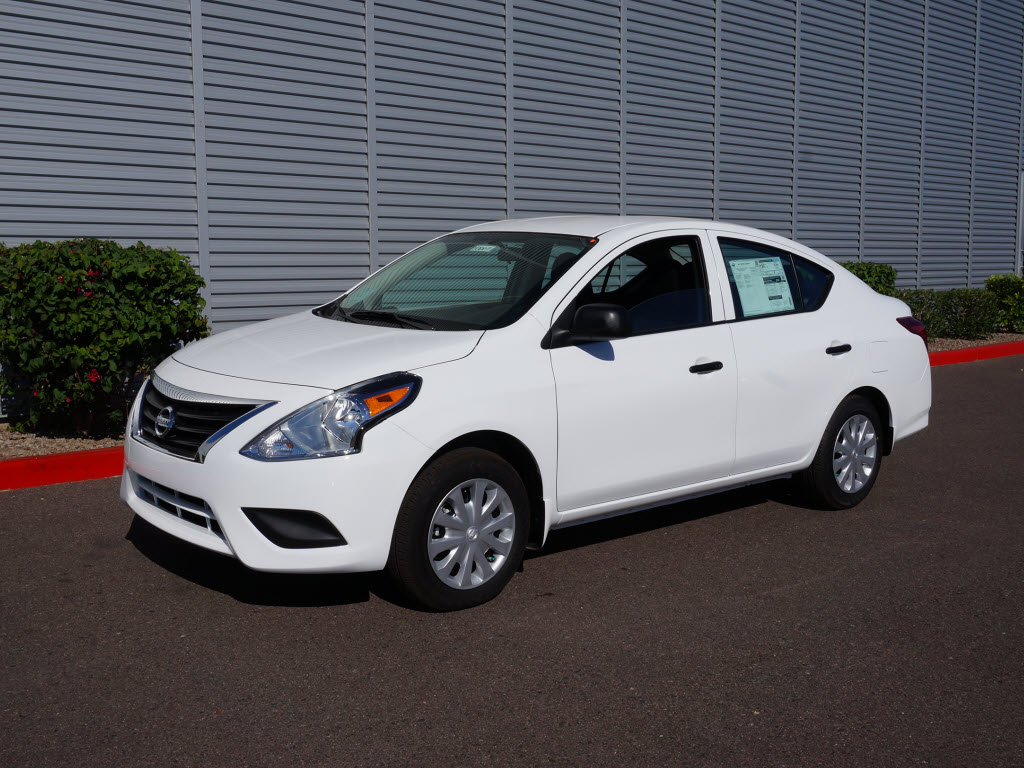 2015 Nissan Versa - Information and photos - ZombieDrive
