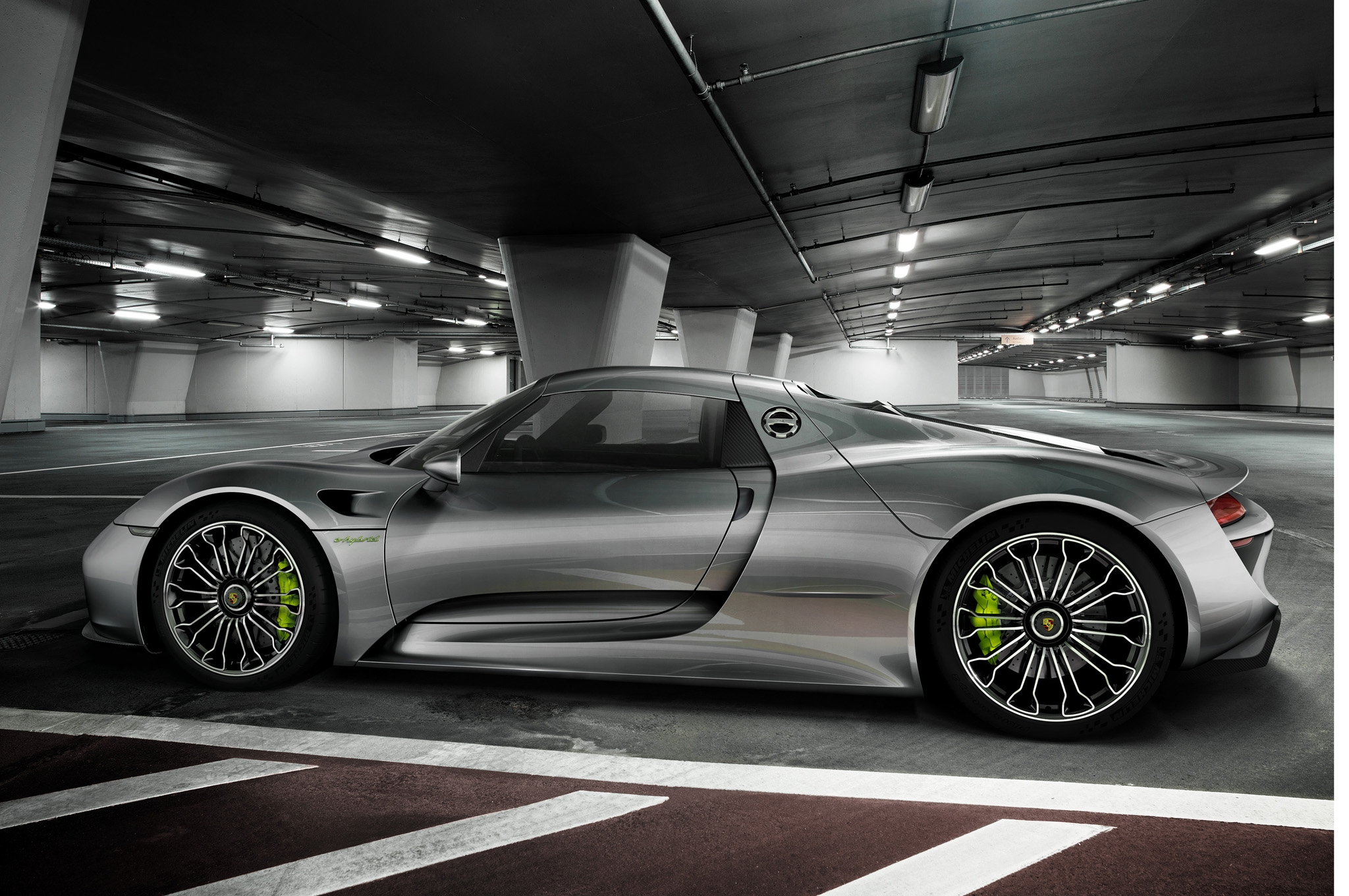 2015 Porsche 918 Spyder expensively luxurious cars