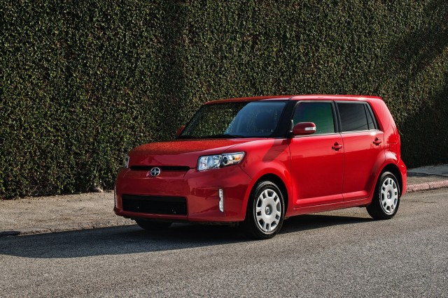 2015 Scion xB #2