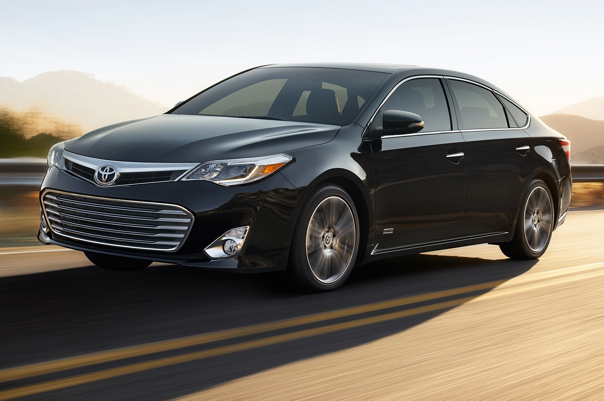 2015 toyota avalon hybrid information and photos zombiedrive. Black Bedroom Furniture Sets. Home Design Ideas