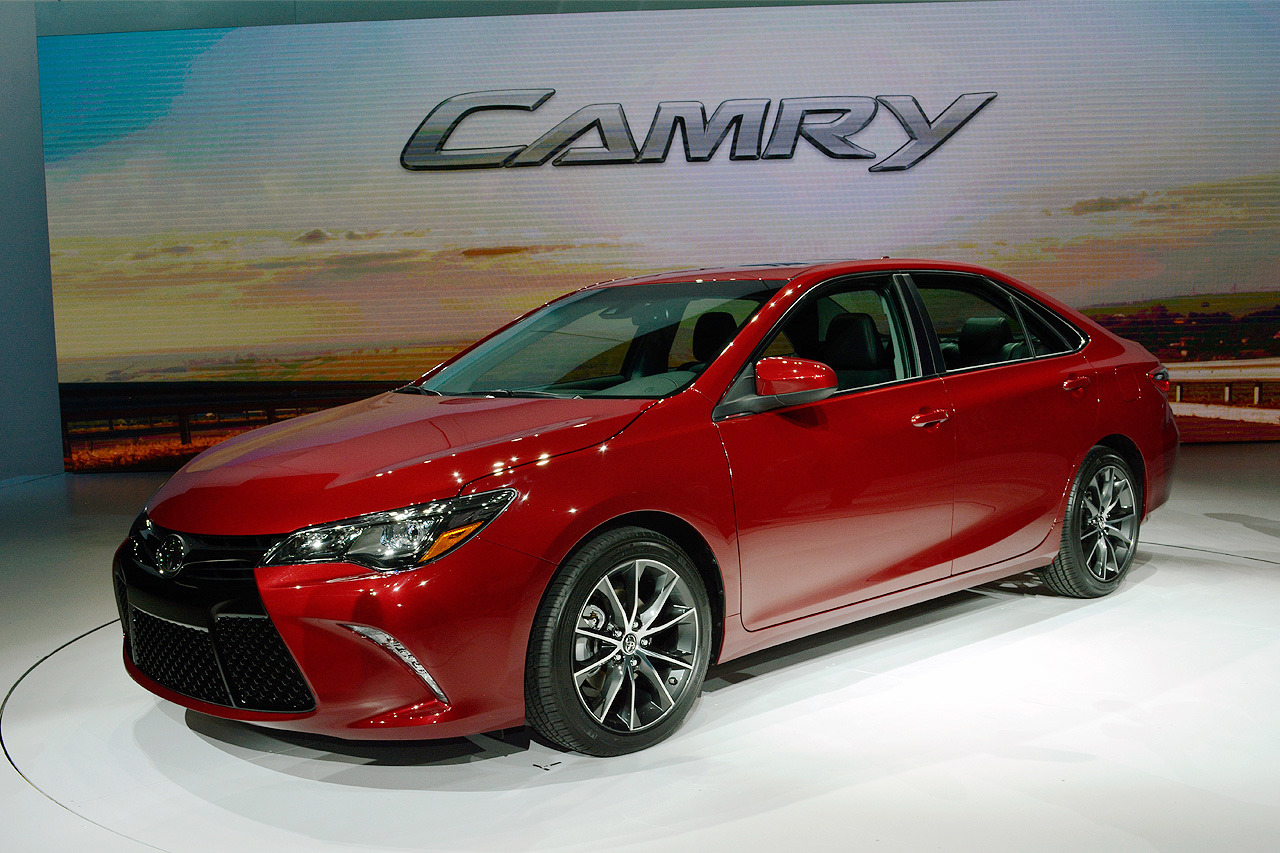 2015 Toyota Camry Image 19