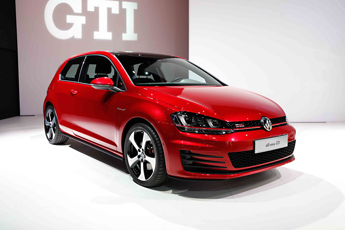 2015 volkswagen golf gti information and photos zombiedrive. Black Bedroom Furniture Sets. Home Design Ideas