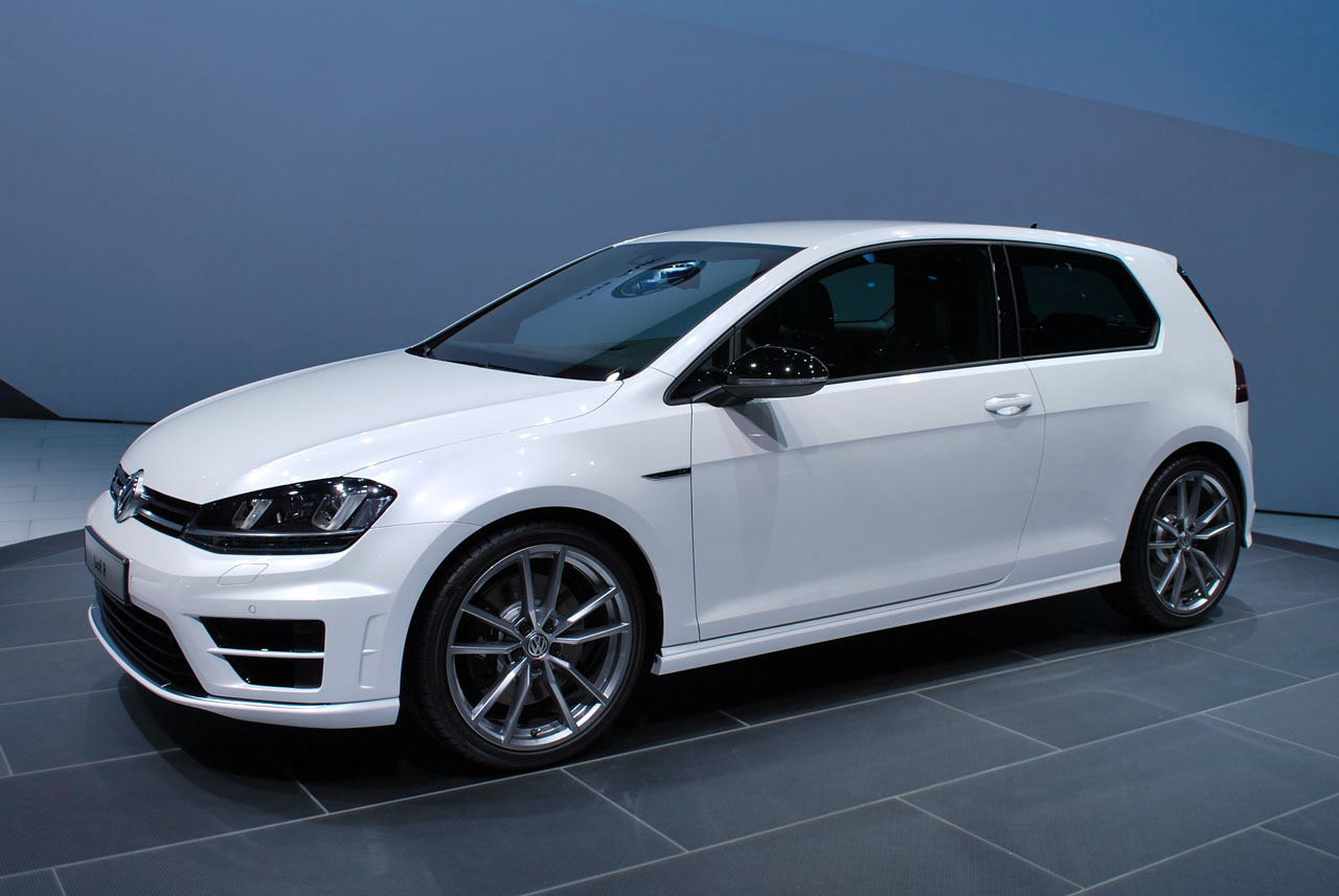 Volkswagen Golf R #12