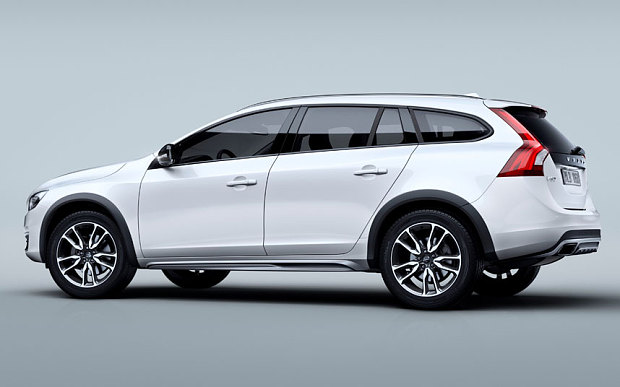 2015 Volvo V60 Cross Country #1
