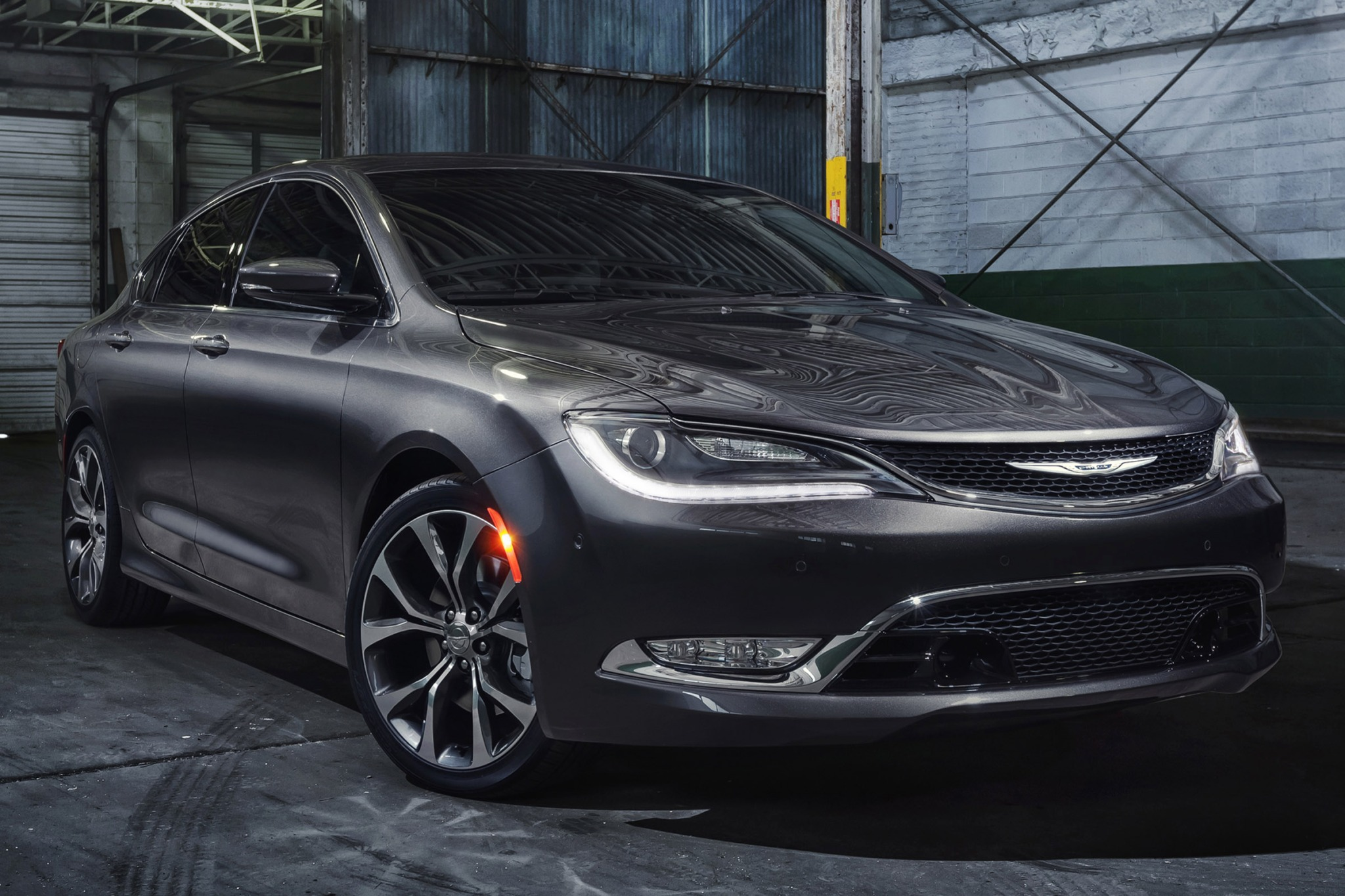 2015 Chrysler 200 C Sedan exterior #1