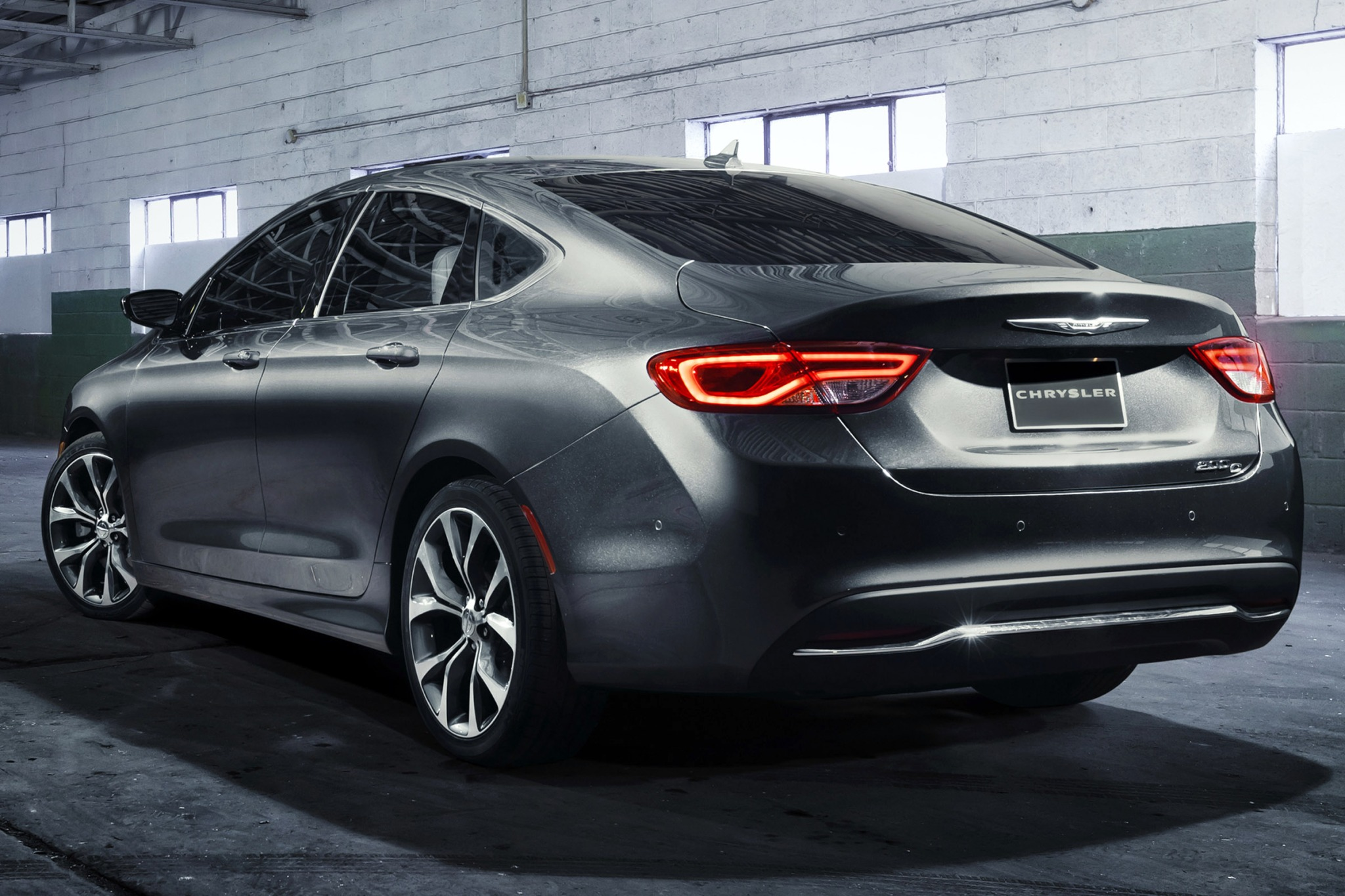 2015 Chrysler 200 C Sedan exterior #8
