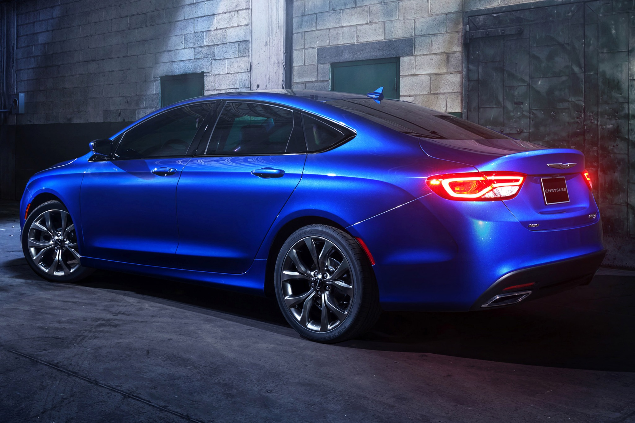 2015 Chrysler 200 C Sedan exterior #7