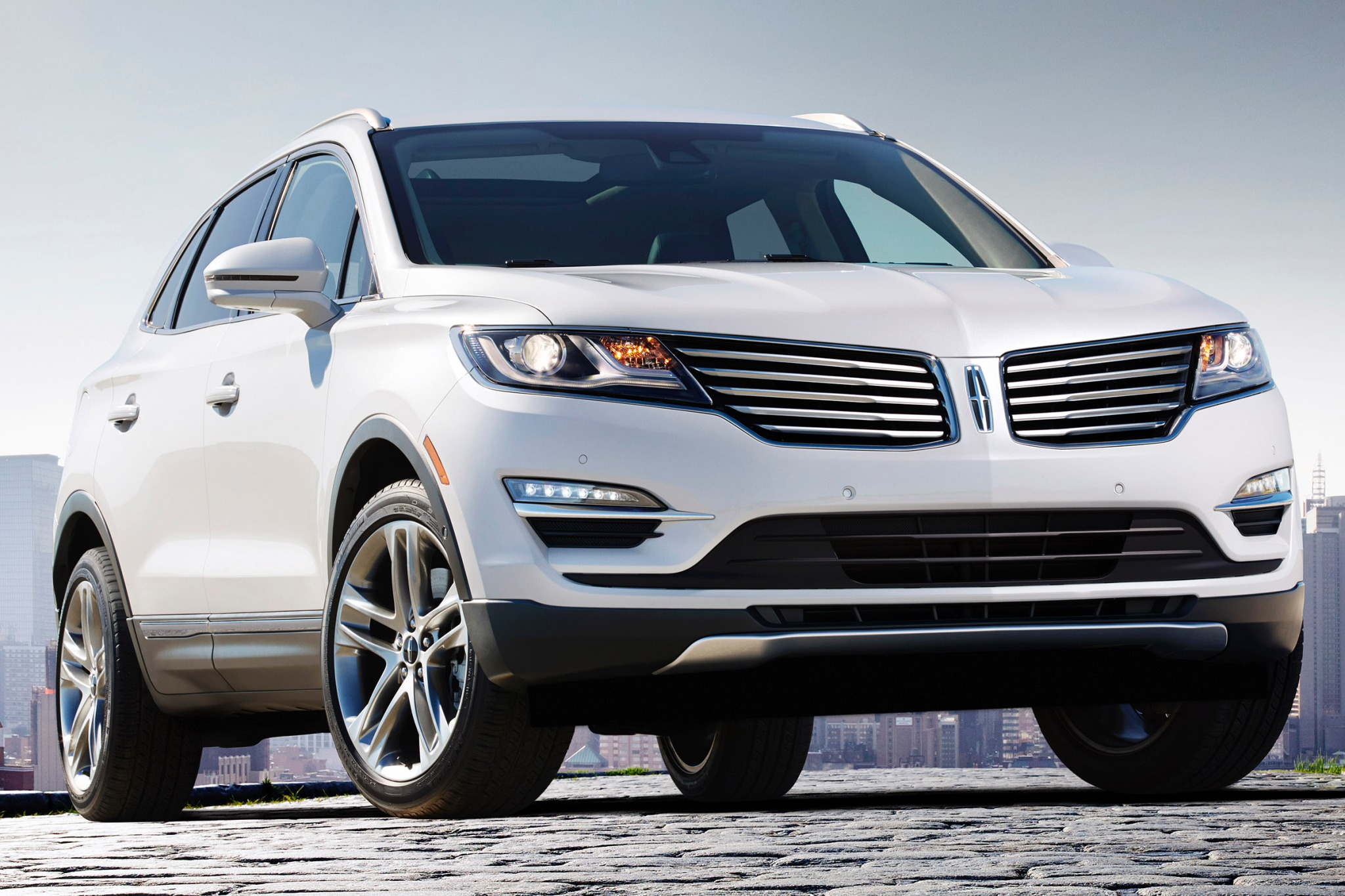 2015 Lincoln MKC 4dr SUV  exterior #4