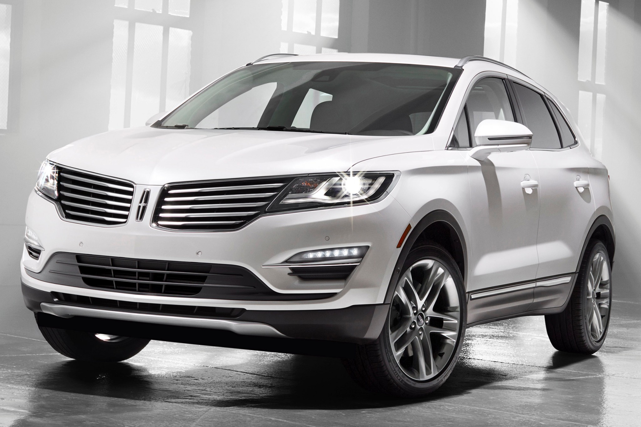 2015 Lincoln MKC 4dr SUV  exterior #2