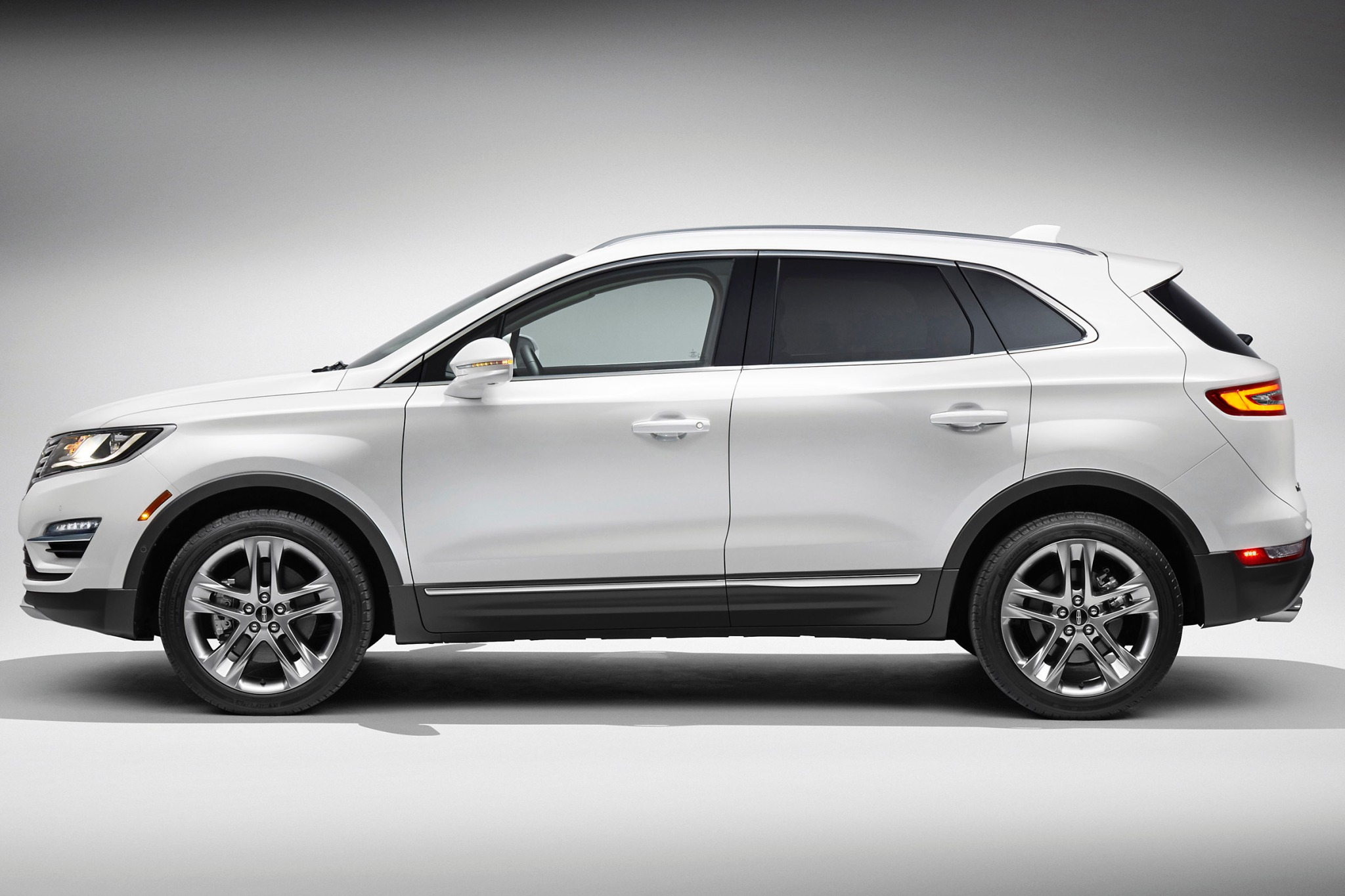 2015 Lincoln MKC 4dr SUV  exterior #5