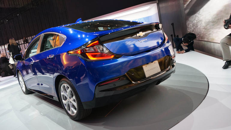 new only chevrolet chevy mpge volt range electric cleantechnica mile