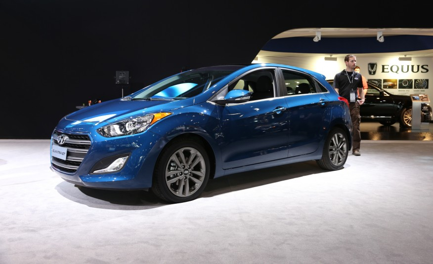 2016 Hyundai Elantra Information and photos ZombieDrive
