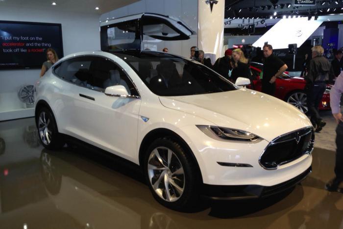 Tesla Model X Reviews - Tesla Model X Price, Photos, and Specs ...