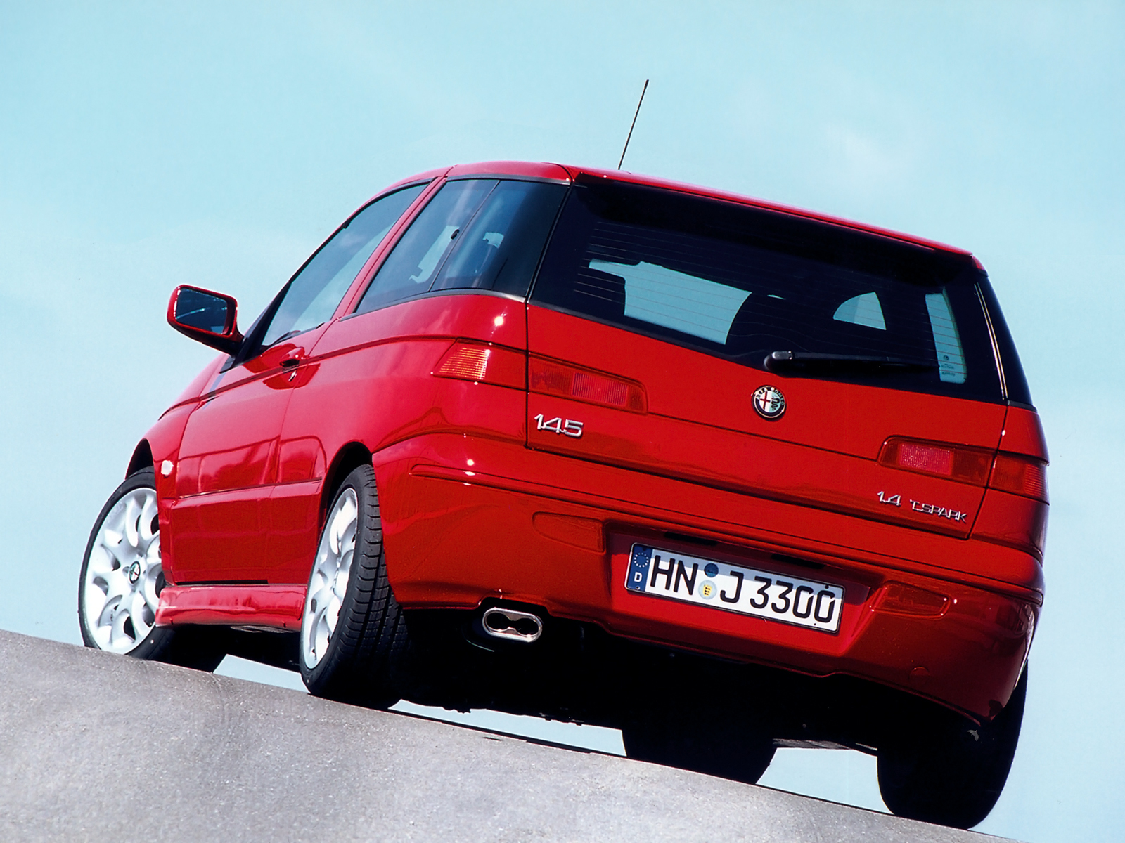 Alfa Romeo 145 is the red venom  #4