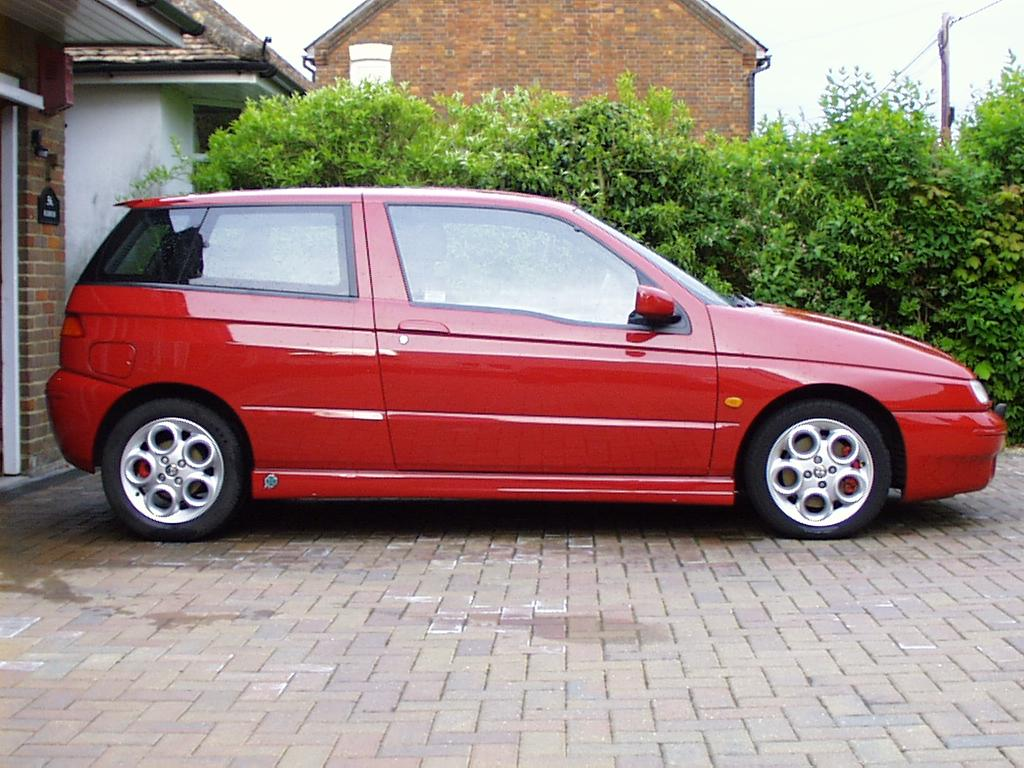 Alfa Romeo 145 is the red venom  #1