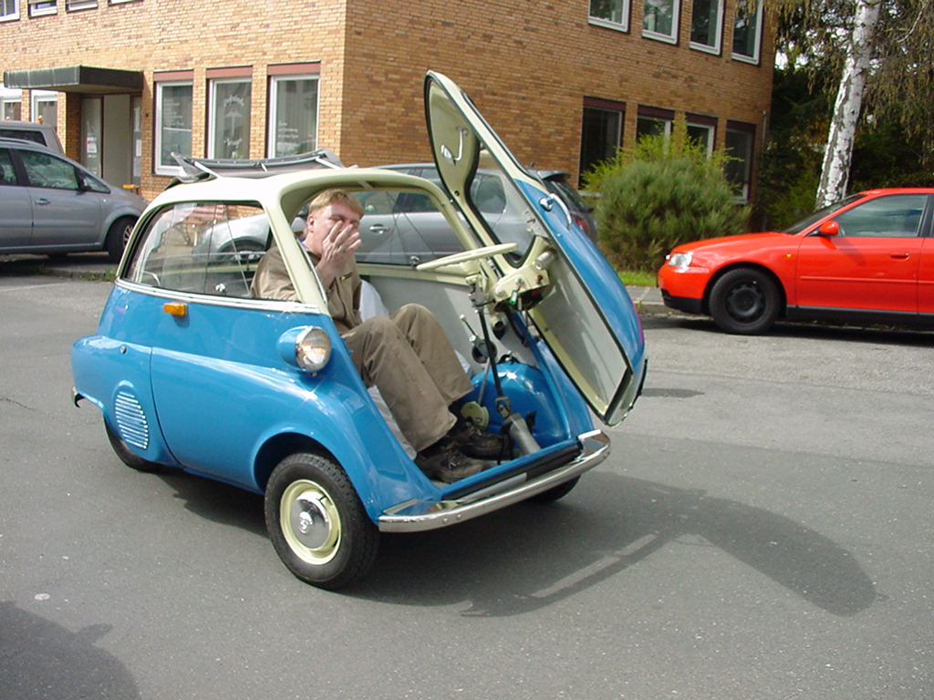 Bubble bmw isetta car busts a move