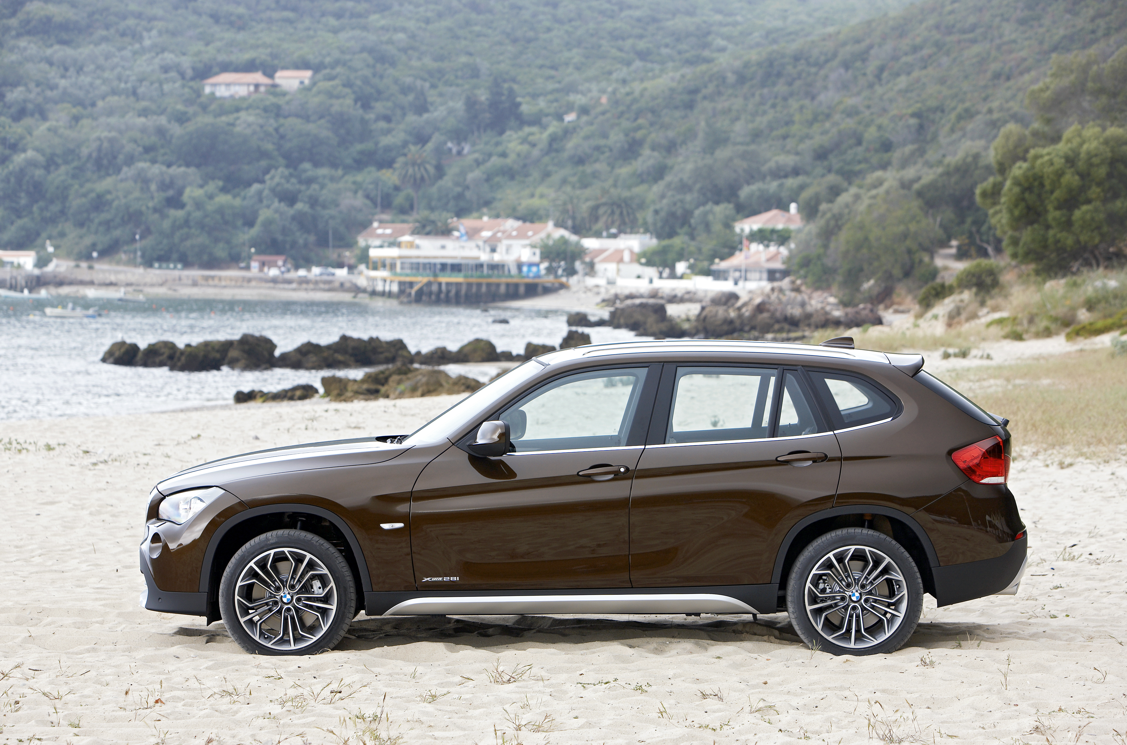 introducing the x series cadet bmw x1 exposed. Black Bedroom Furniture Sets. Home Design Ideas