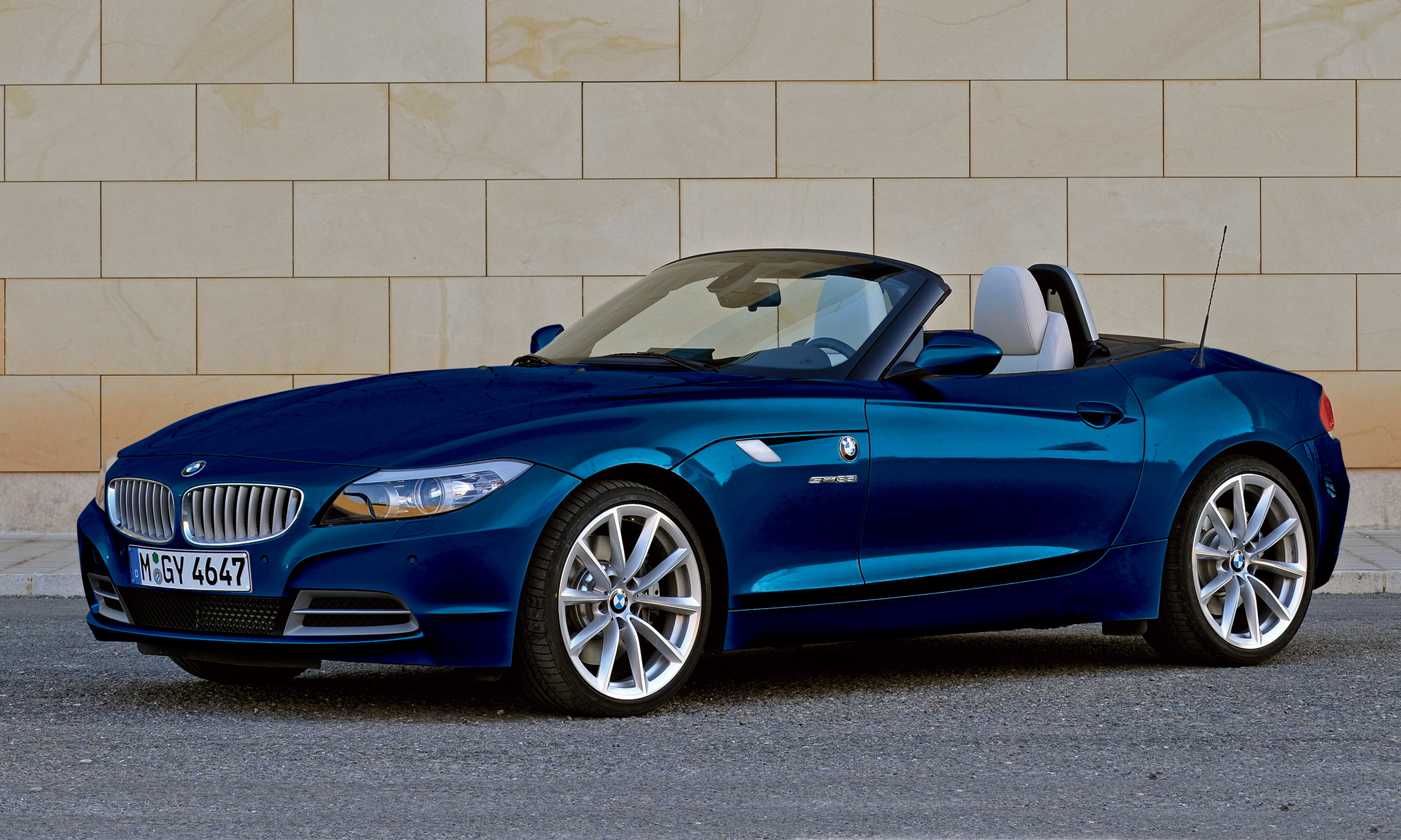 2015 Bmw Z4 More Powerful And Spacious Image 11