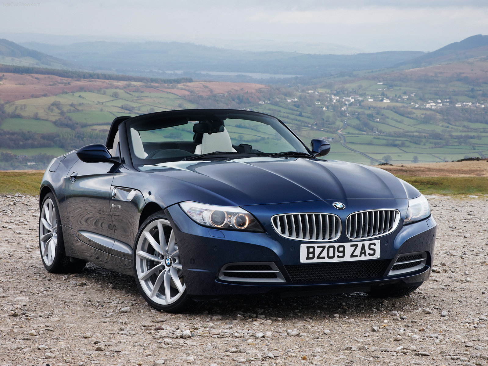 2015 BMW Z4: MORE POWERFUL AND SPACIOUS - Image #18